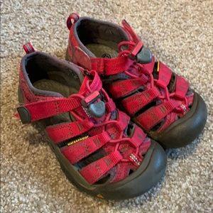 Keen girls sandals size 11
